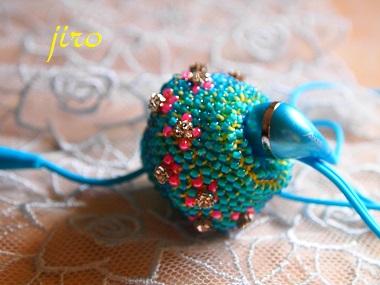 ビーズ編みイヤホンボール-カトレア3