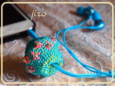 ビーズ編みイヤホンボール-カトレア5