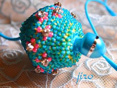 ビーズ編みイヤホンボール-カトレア2
