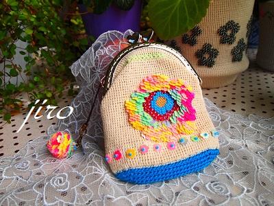 ビーズ編みがま口-スパンコール試作(花)