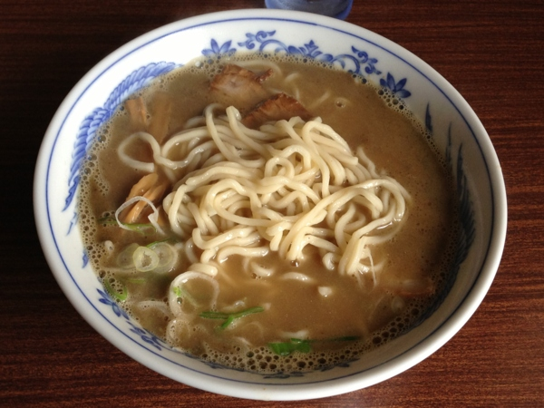 ラーメン孝百 煮干そば(並) 麺