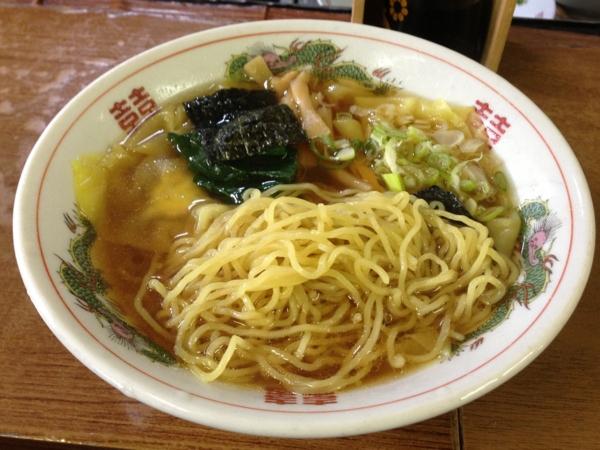 神子田朝市食堂(岩手県盛岡市) ワンタンメン 麺