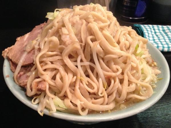 ラーメンマシンガン フライドオニオン塩並(ニンニク、アブラ増し) 麺