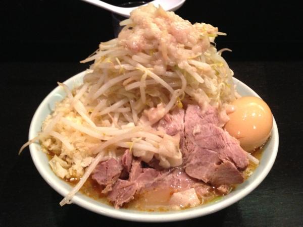 ラーメンマシンガン 醤油二型(大) ニンニク、アブラ多め