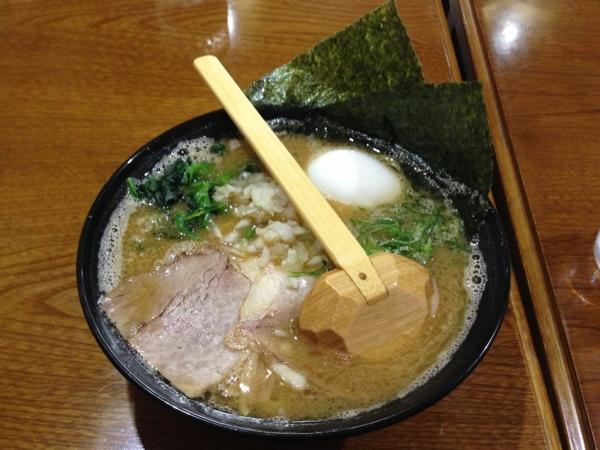 鈴家 超濃厚湯沢系豚骨ラーメン醤油