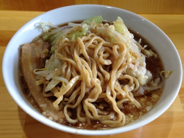 いしころ 二郎系ラーメン醤油、ニンニク、味濃いめ、脂多め 麺