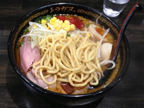 トラガス。 特製味噌らーめん 麺