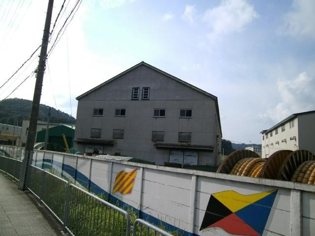 舞鶴海軍軍需部の倉庫???