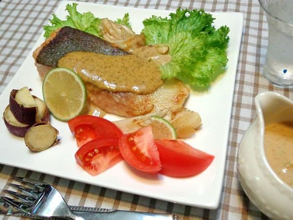 秋鮭のムニエル 海苔マヨソース添え11