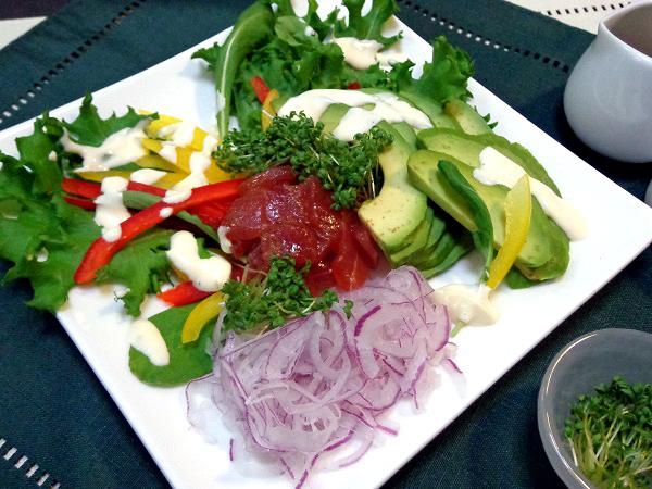 マグロとアボカドのごちそうサラダ01