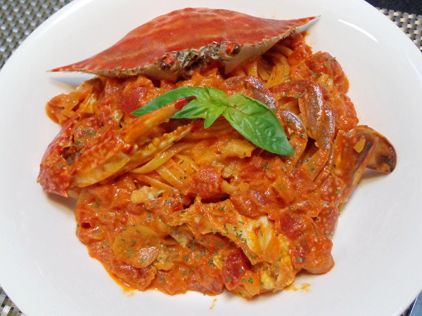 渡り蟹のトマトクリームパスタ01