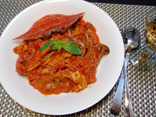 渡り蟹のトマトクリームパスタ23