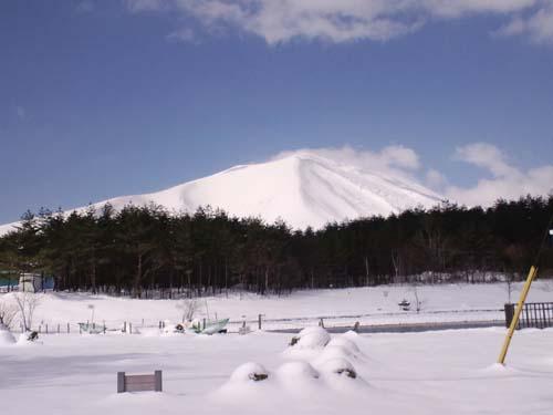 H25.4.22浅間山真っ白