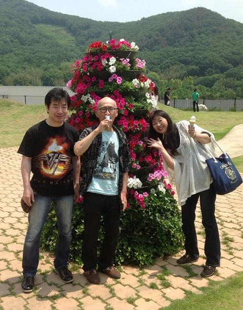 20130526-02花とおじさん