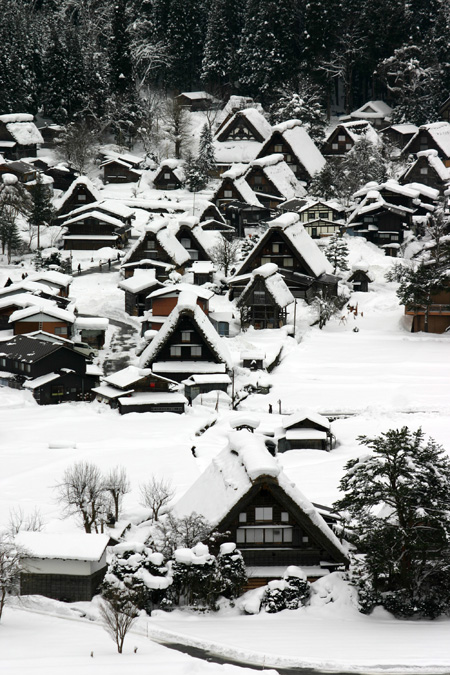 本格的な冬の旅行シーズン到来♪ 体の芯から温まる温泉や世界遺産 白川郷合掌集落でお楽しみください! ⑧