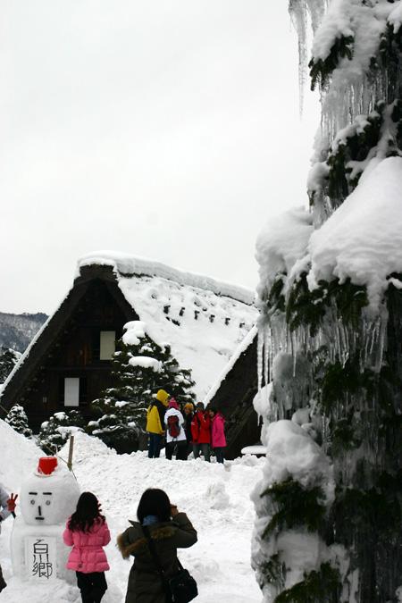 本格的な冬の旅行シーズン到来♪ 体の芯から温まる温泉や世界遺産 白川郷合掌集落でお楽しみください! ⑨