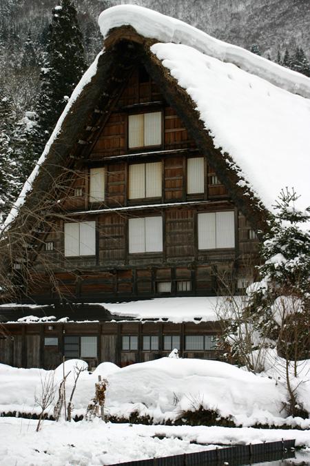 本格的な冬の旅行シーズン到来♪ 体の芯から温まる温泉や世界遺産 白川郷合掌集落でお楽しみください! ⑩