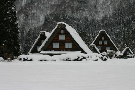 冬の空気の澄んだ時は星空もキレイ! 眼下に一面に広がる~世界遺産 白川郷~冬の風景はこの時期ならでは・・・ ③
