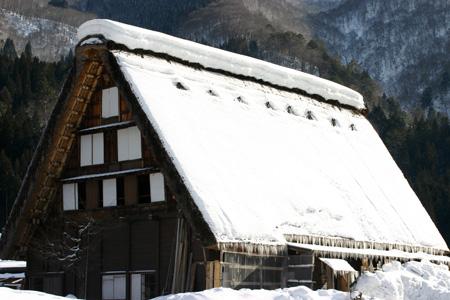 雪国の風情を愉しむには、冬の旅がおすすめ!!世界遺産 白川郷合掌集落 ①