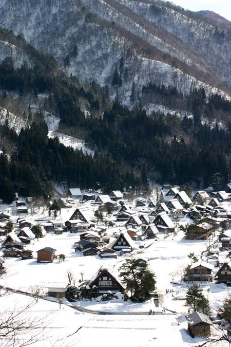 雪国の風情を愉しむには、冬の旅がおすすめ!!世界遺産 白川郷合掌集落 ④