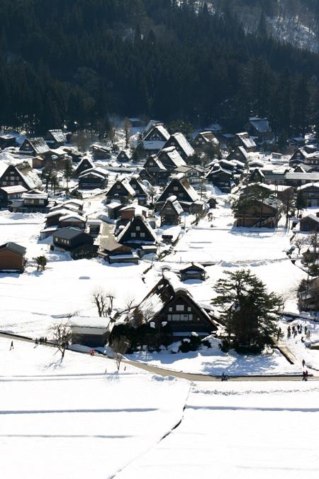 今年は、雪が少ないと言われ~世界遺産 白川郷~雪道に慣れていない方にはむしろラッキー かもしれません ⑥