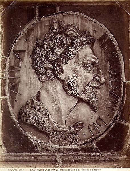 456px-Brogi,_Carlo_(1850-1925)_-_n__8227_-_Certosa_di_Pavia_-_Medaglione_sullo_zoccolo_della_facciata