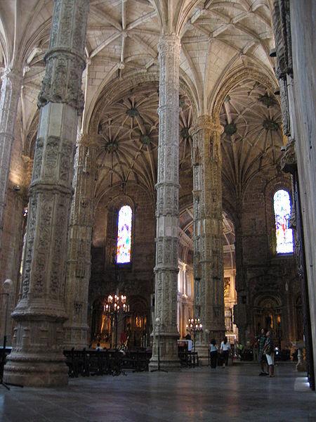 450px-Mosteiro_dos_Jeronimos_-_Igreja_2.jpg