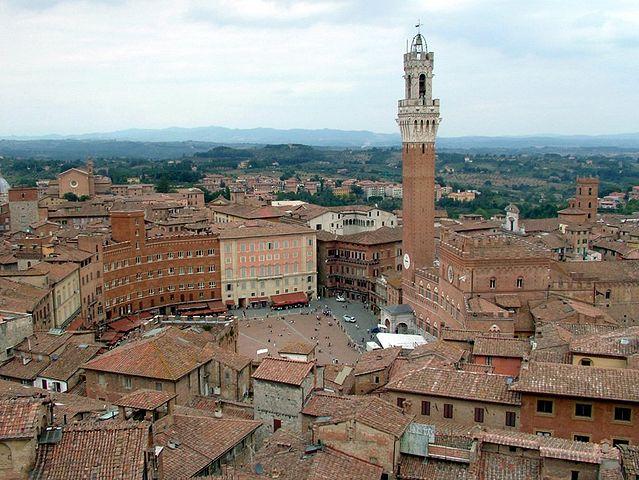639px-Piazza_del_Campo_(Siena).jpg