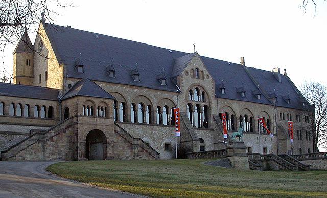640px-Goslar_kaiserpfalz.jpg