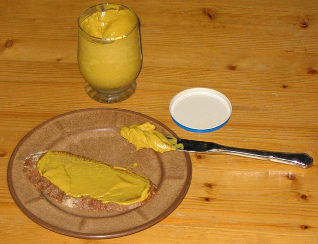 Bread_with_mustard.jpg