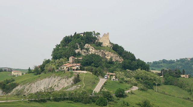 Castello_di_Canossa.jpg
