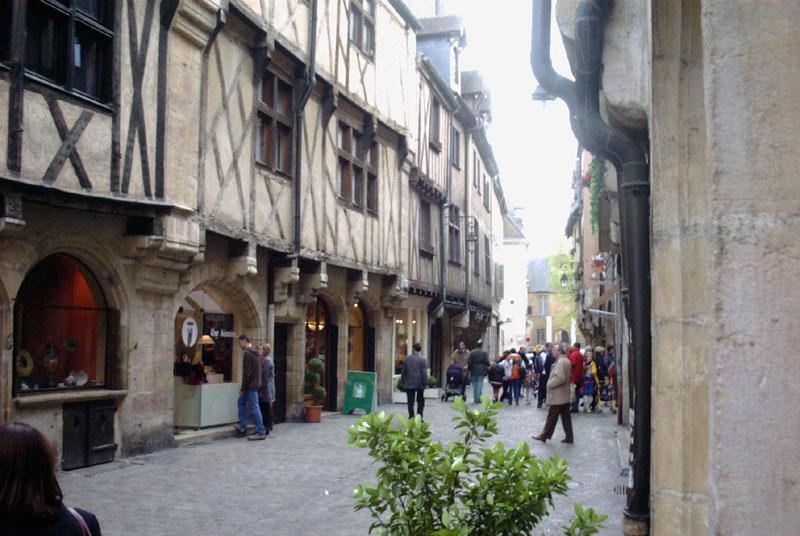 Dijon_Rue_vieille.jpg
