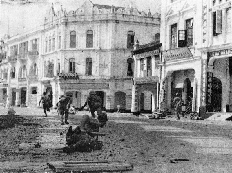 Japanese_troops_mopping_up_in_Kuala_Lumpur.jpg