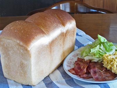 10月13日朝食用食パン