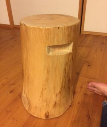 丸太のイス完成1