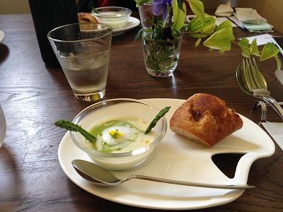 コールラビとアスパラ冷製スープ