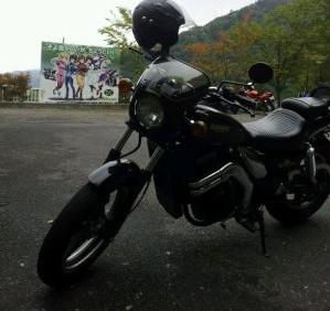 バイクと???