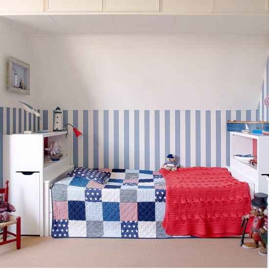 Blue-Stripe-Childs-Bedroom-Country-Homes-and-Interiors-Housetohome.jpg