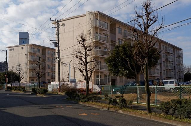 神奈川県営大庭団地の中層棟