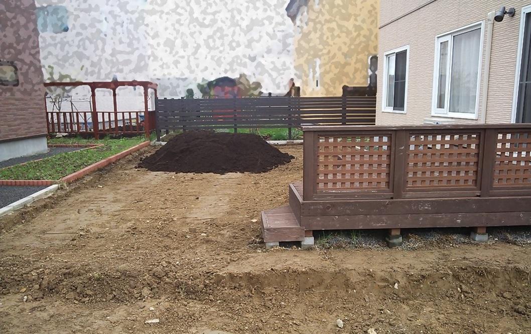 庭 土を入れた