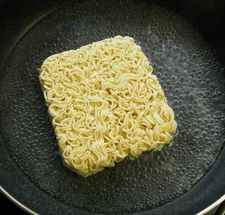 鯨井風汁なし麺2