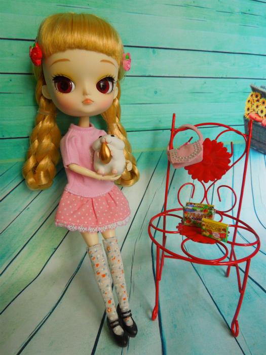 小梅とピンクのワンピ2