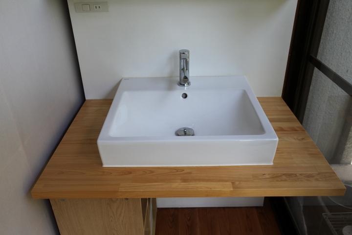 washstand2.jpg