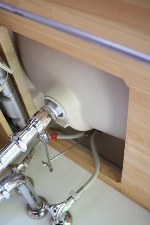 washstand3.jpg