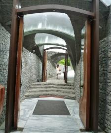 石の教会出口