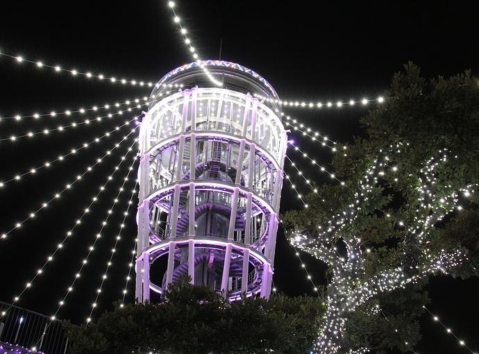 江ノ島シーキャンドルのライトアップ 湘南の宝石
