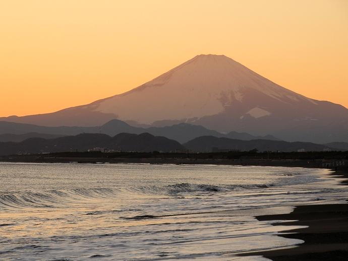 湘南海岸の夕富士
