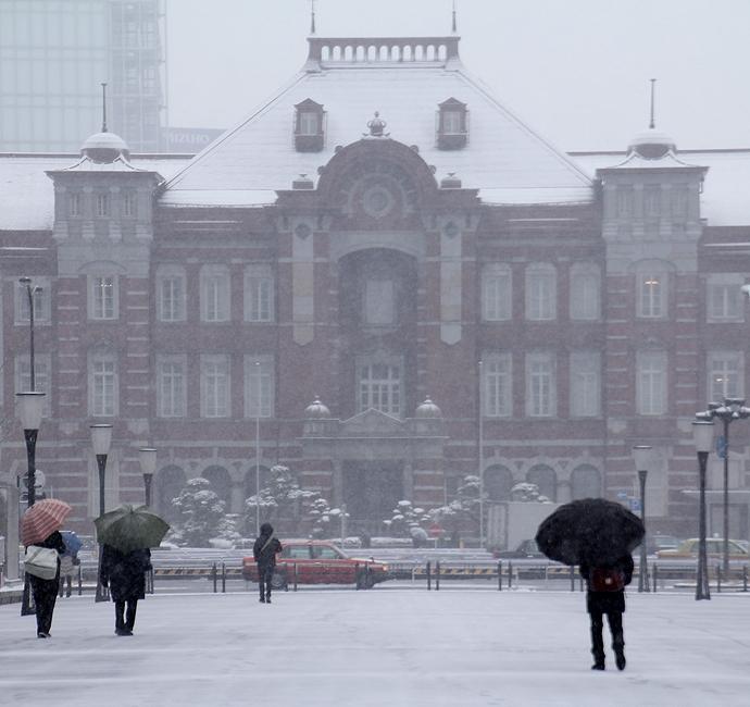 雪化粧した東京駅赤レンガ駅舎