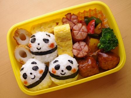 パンダおにぎりのお弁当