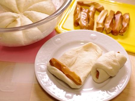 あとひく旨さスモークチーズの簡単手ごねパン06